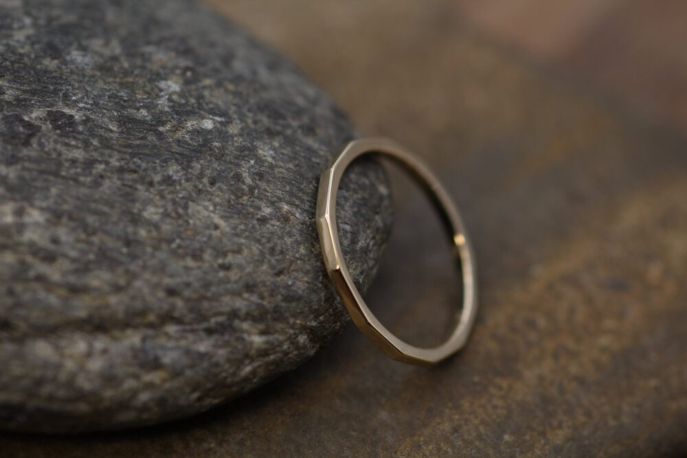 14Kt Yellow Gold 1.4mm Hammered Band Glossy Finish - Simple Solid Textured
