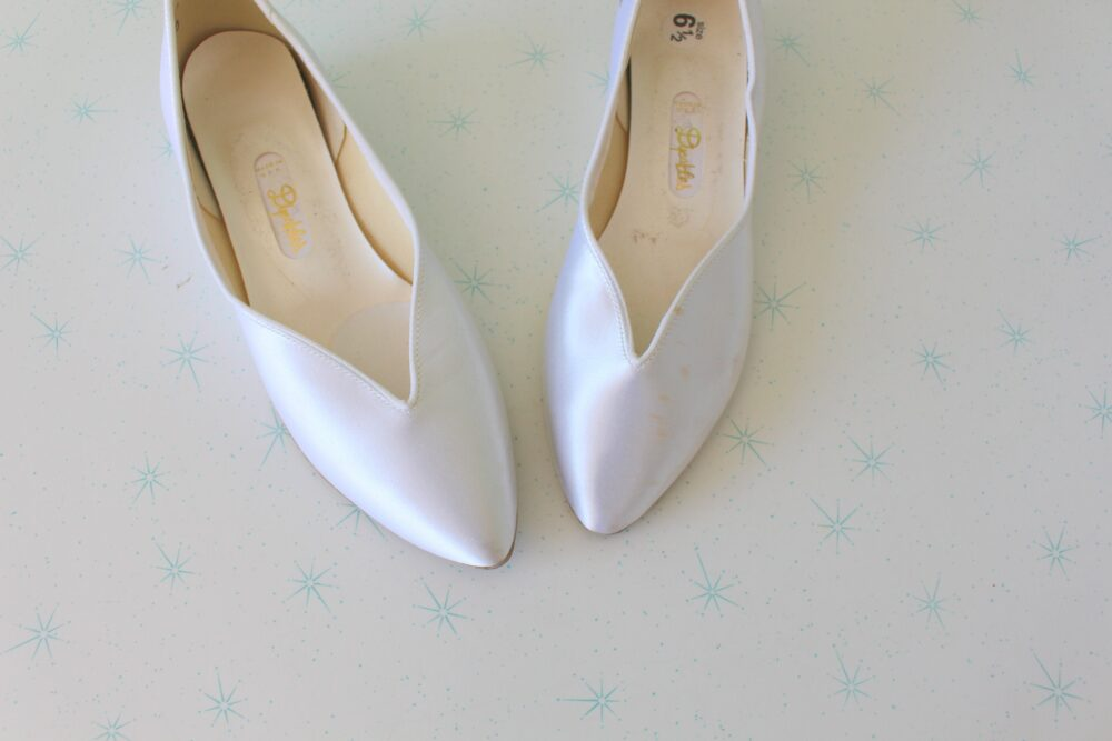 Vintage White Wedding Hollywood Flats....size 6.5 Women...glam. Pumps. Shoes. Wedding. Bride. Fabric Heels. Satin Wedges. Dyeables