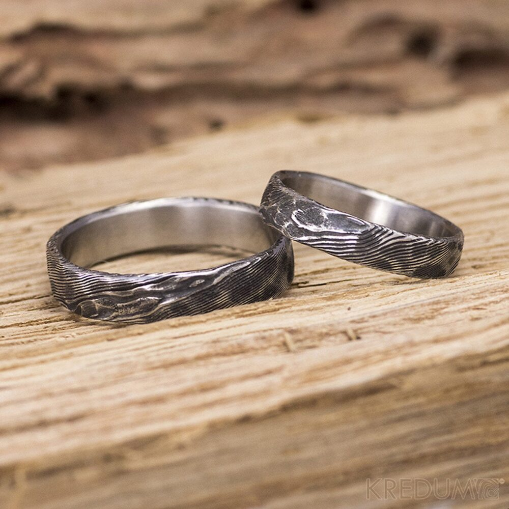 Damascus Hammered Wedding Band For Him Or Her - Custom Made Stainless Steel Ring Man Woman Male Engagement Natura