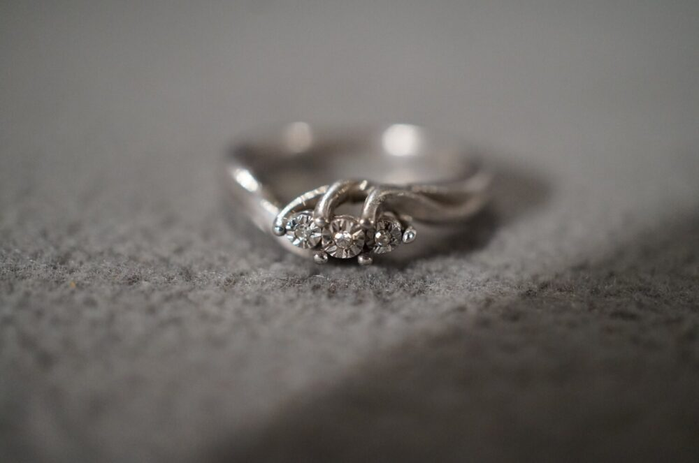 Vintage Sterling Silver Wedding Engagement Band Ring 3 Round Diamond Fancy Curved Design, Size 5