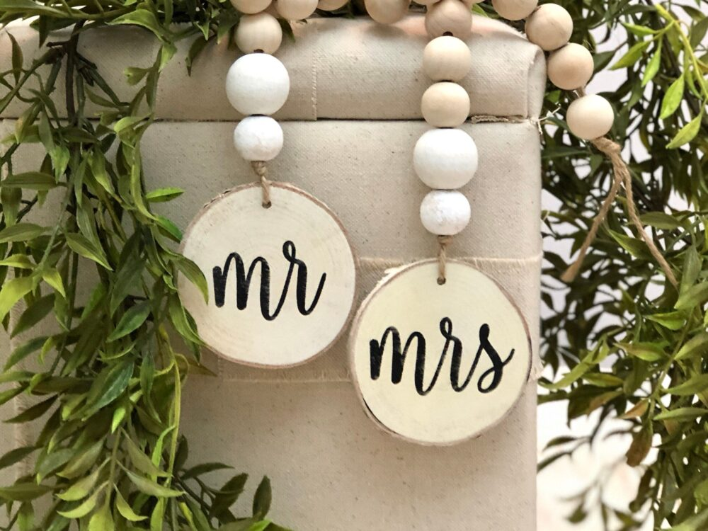 Mr & Mrs Wedding Wooden Bead Garland With Wood Slice Set - Mr Mrs Decor His Hers
