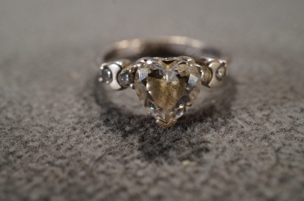 Vintage Sterling Silver Wedding Band Stacker Design Ring 3 Prong Set Heart Round Cubic Zirconia Stone Engagement Art Deco Style, Size 7