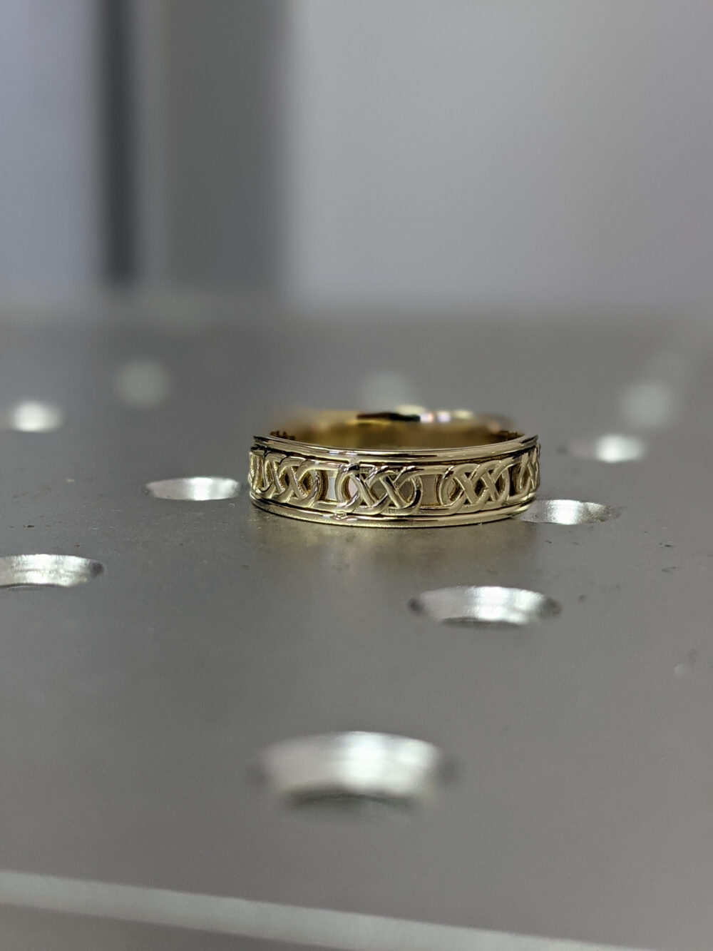 Celtic Wedding Band, Pattern Ring, Knot Unique Ring Small Band Band, 14K Solid Yellow Gold