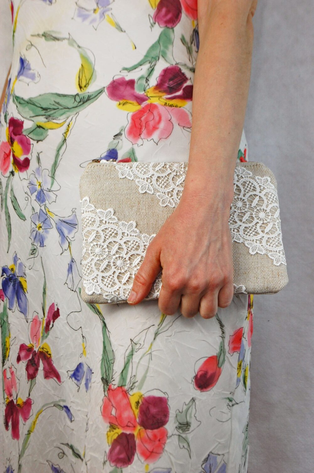 Small Simple Ivory Lace Burlap Bridal Clutch, Rustic Style Wedding Bag, Bridesmaid Pouch