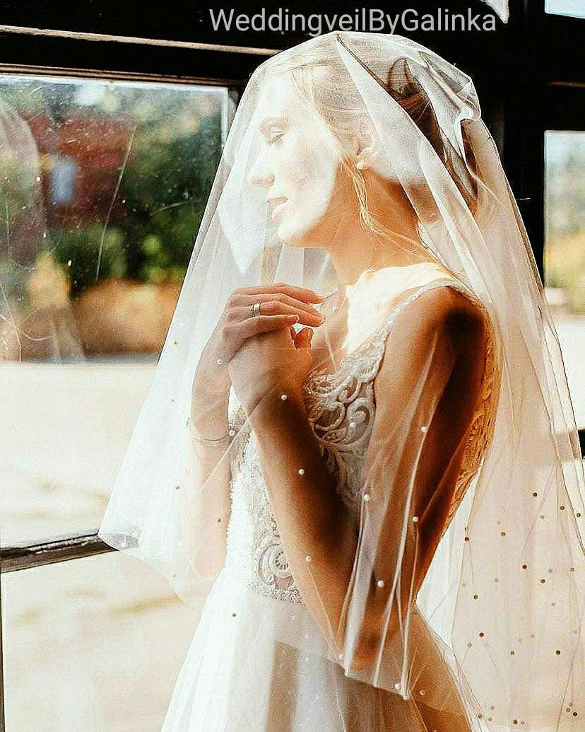 Wedding Veil With A Scattering Of Pearls Around The Edge. Veil Possibility Coup On Face, Blusher Veil. Scattering Pearls
