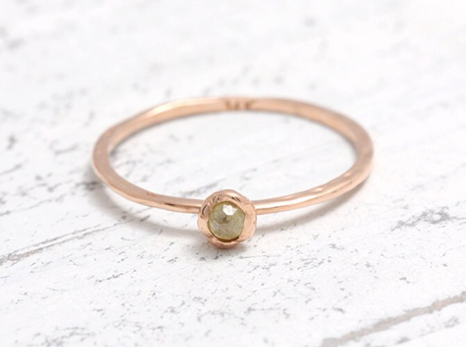 Green Diamond Solid Gold Hammered Band Ring, Rose Cut Yellow Natural Bezel Ring