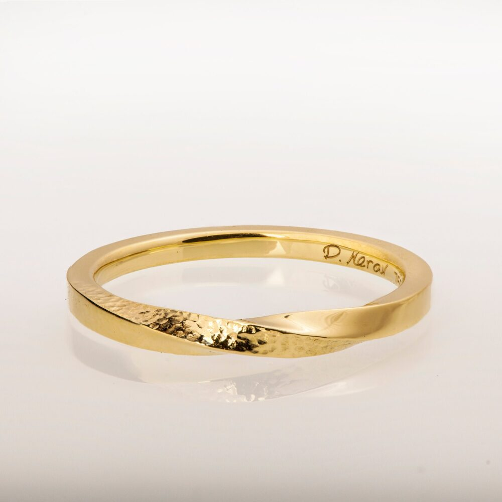 Mobius Ring, 14K Gold Ring , Wedding Hammered Band, Twisted Wedding Band, Mobius Thin Band