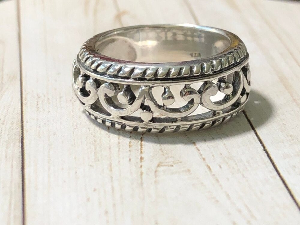 A Sterling Silver Italian Scroll Wedding Band - Antique Style Ring Unisex