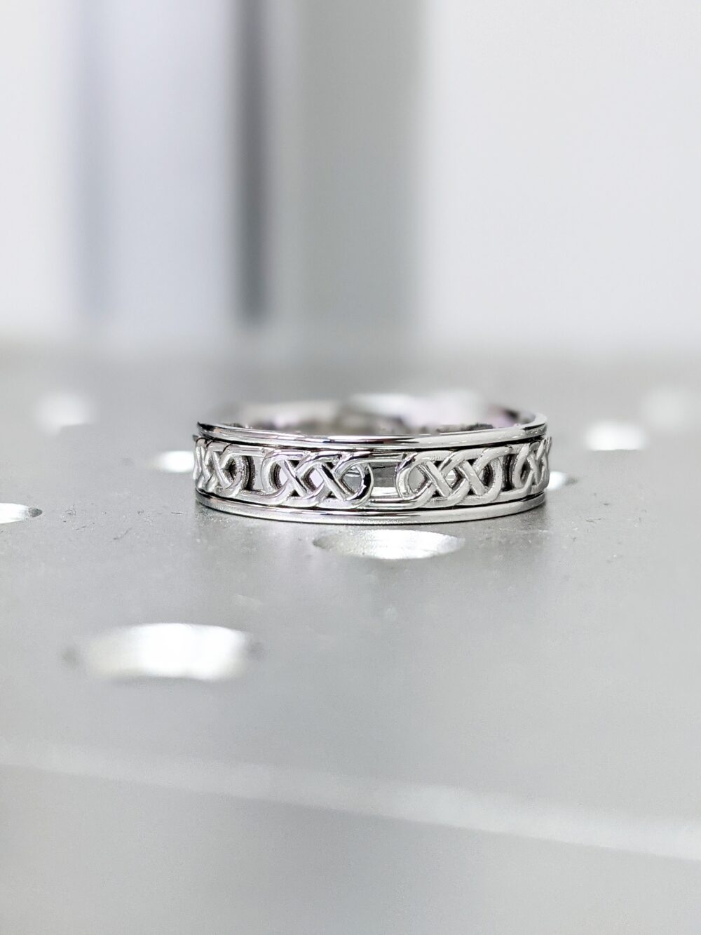 Celtic Wedding Band, Pattern Ring, Knot Unique Small Keltic Band, 14K Solid Gold Band