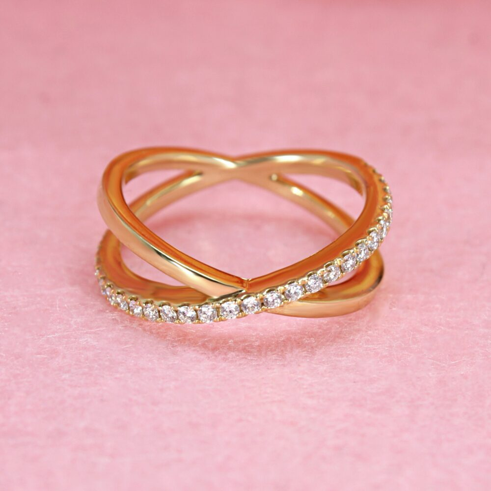 0.29 Ctw Diamond Criss Cross Ring - 18K Yellow Gold | Crossed Band & Classic Wedding Modern Gift For Her
