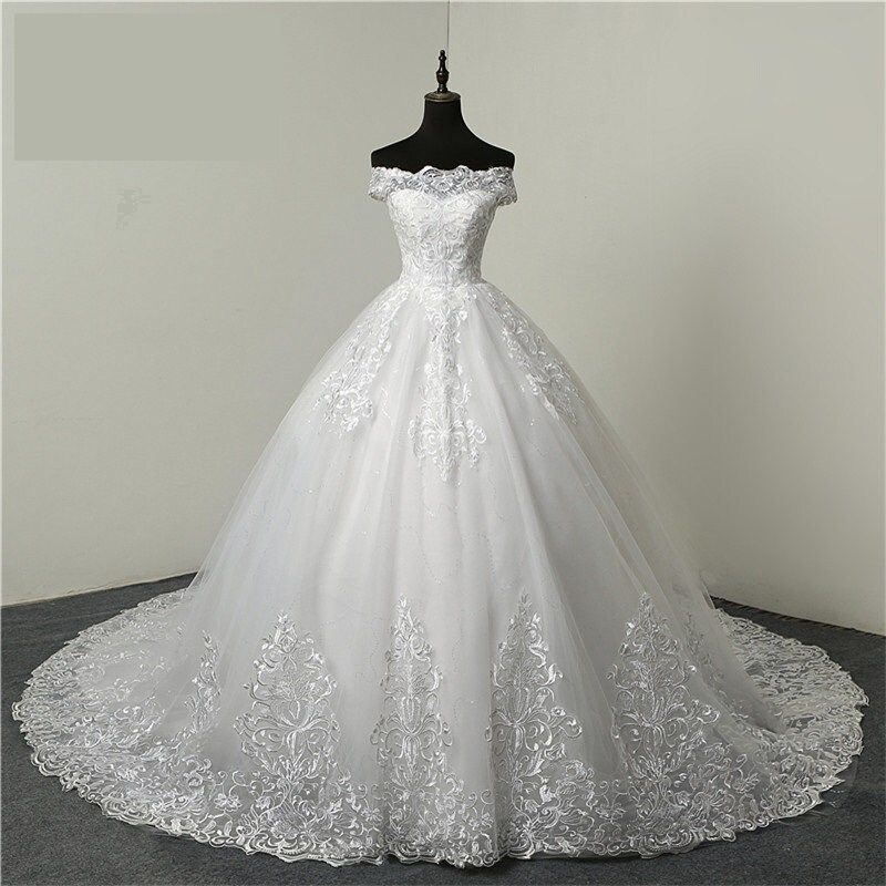 Wedding Gown Dress Luxury Lace Embroidery Long Train Sweetheart Plus Size Bride