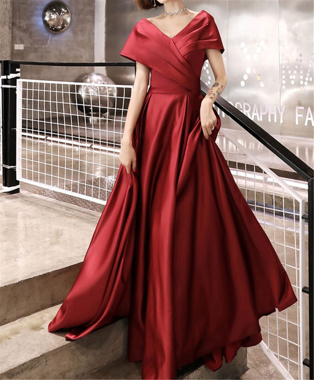 Burgundy Red Prom Dress Satin Bridesmaid V-Neck Formal Event A-Line Quinceanera Lace Up Back Bridal Floor Length