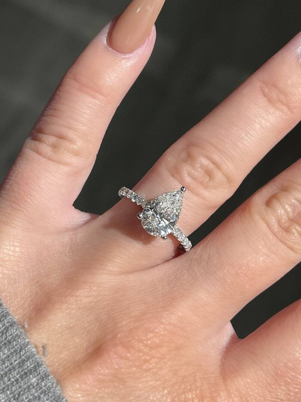 Unique Pear Shaped Moissanite Engagement Ring, 2Ct Moissanite Ring , Halo Diamond , Bridal Ring, Anniversary Wedding Rings, Gift For Her