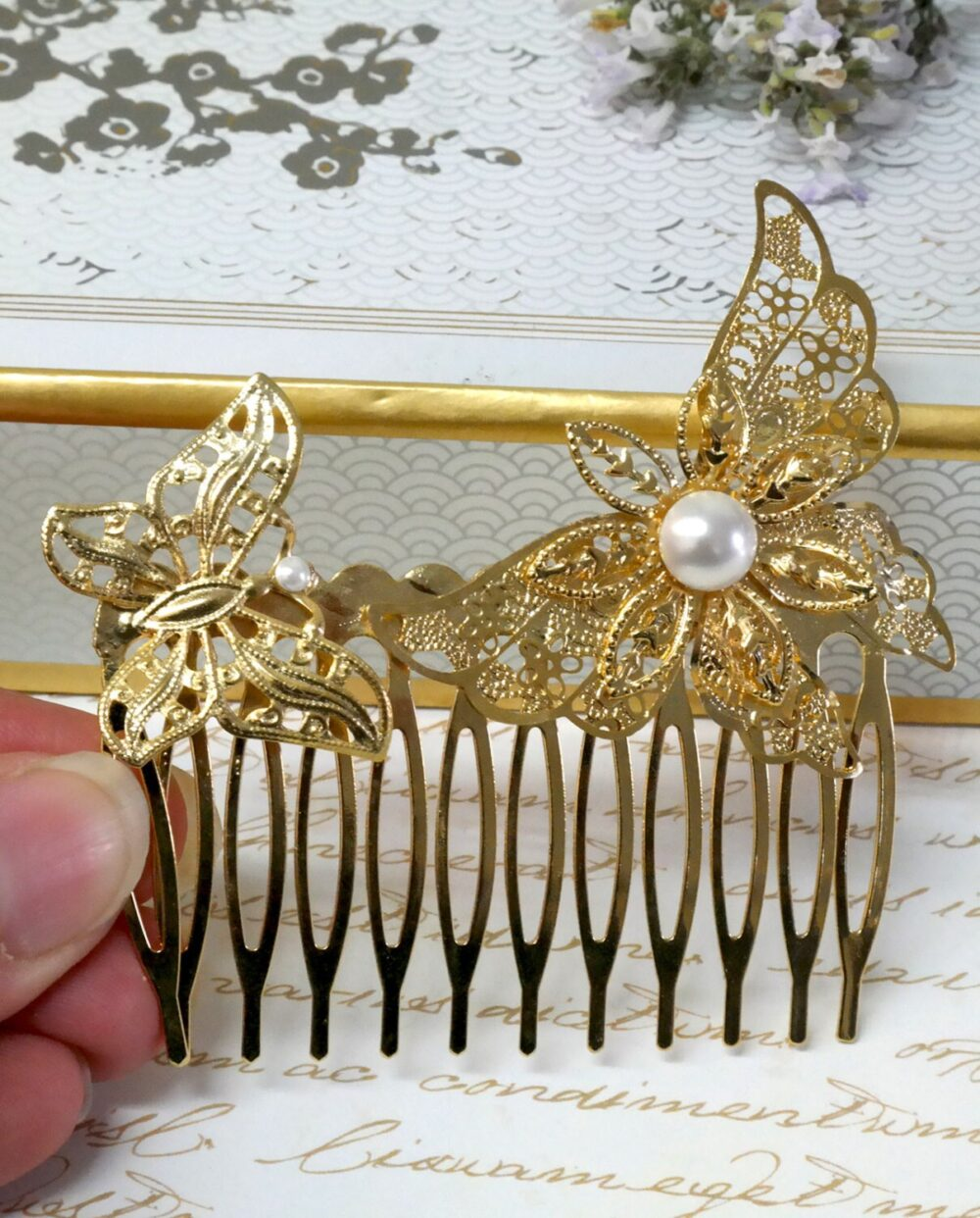 White Pearls Gold Wedding Comb, Bridal Hair Butterfly Piece, Boho Chic Wedding, Accessories